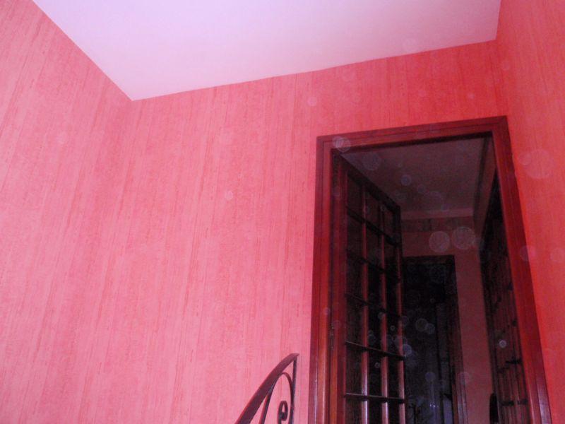 Une cage d escalier en papier peint ma vie dans la - Amenager une cage d escalier ...